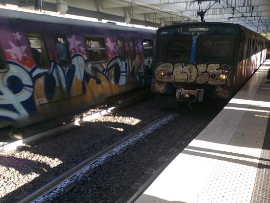 """2011: due treni """"graffitati"""" della metro B"""