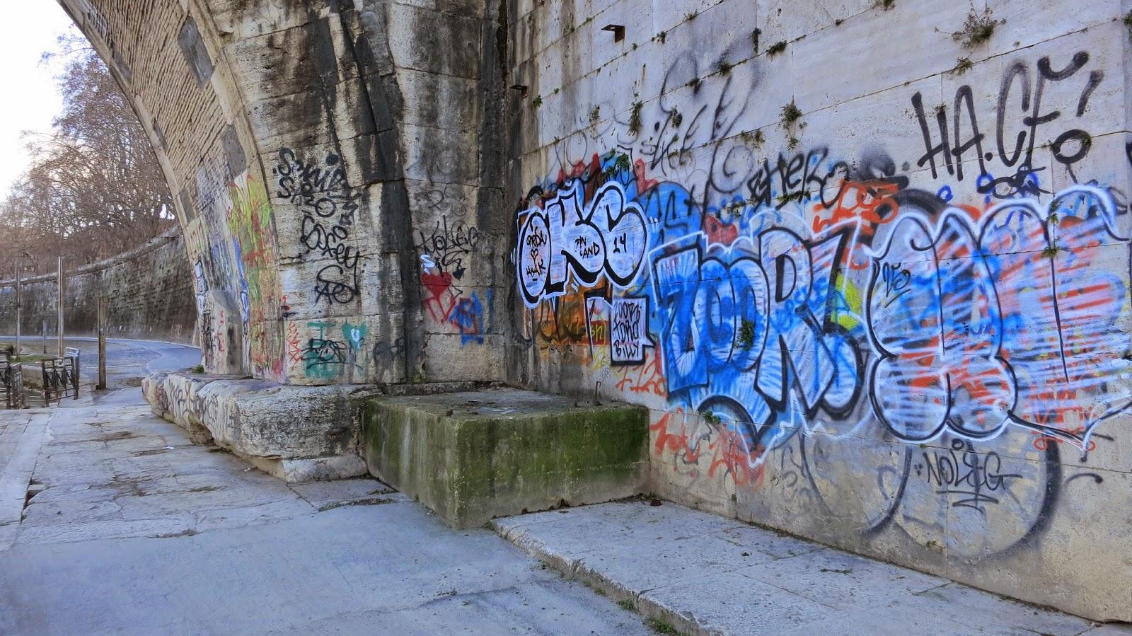 graffiti ponte sisto