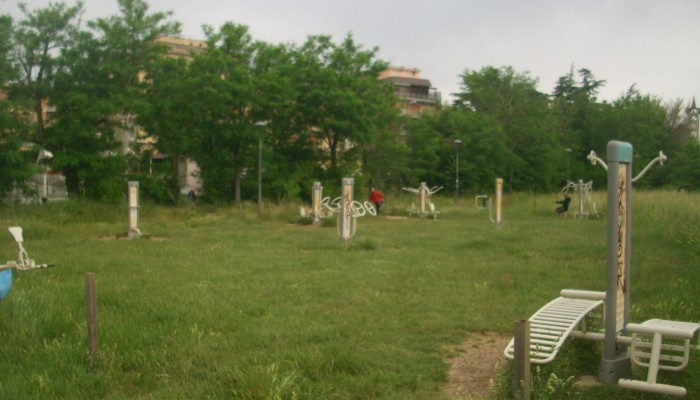 Attrezzi sportivi parco pineto