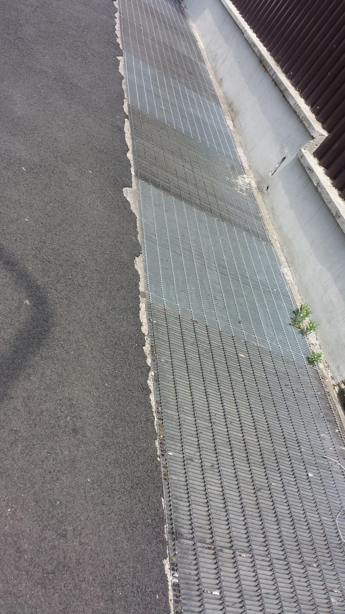 Piazza Ippolito Nievo lavori scadenti 3