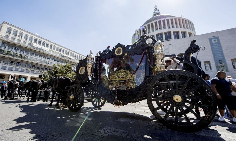 Boss-Vittorio-Casamonica-funerali-08-1000x600