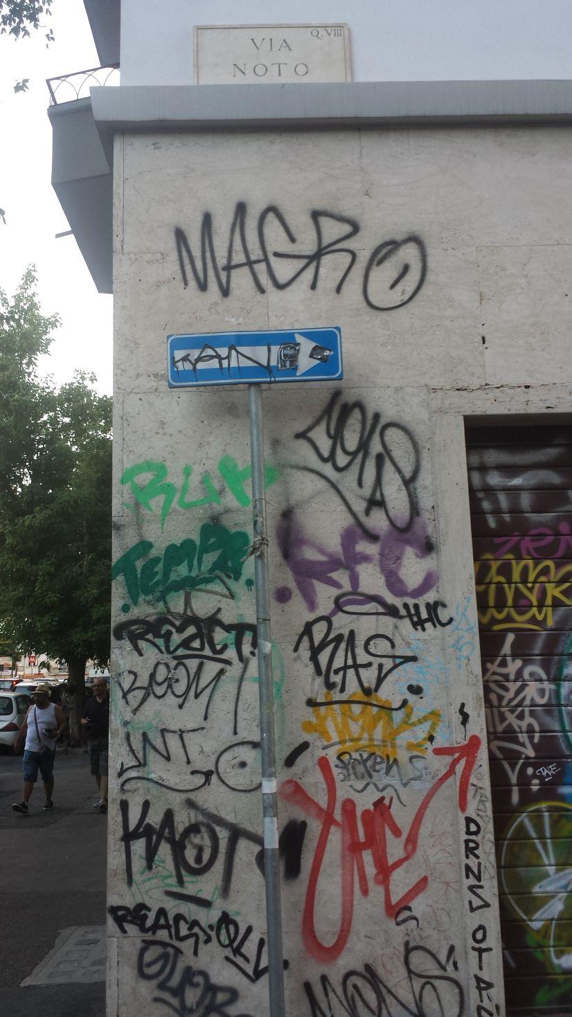 Via Gela graffiti