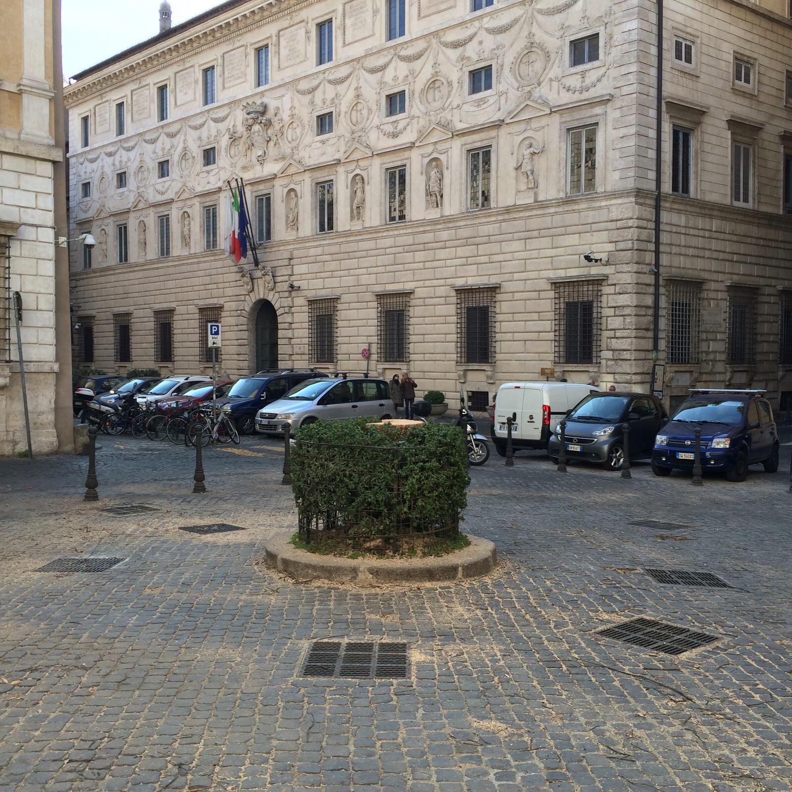 piazza della quercia 2