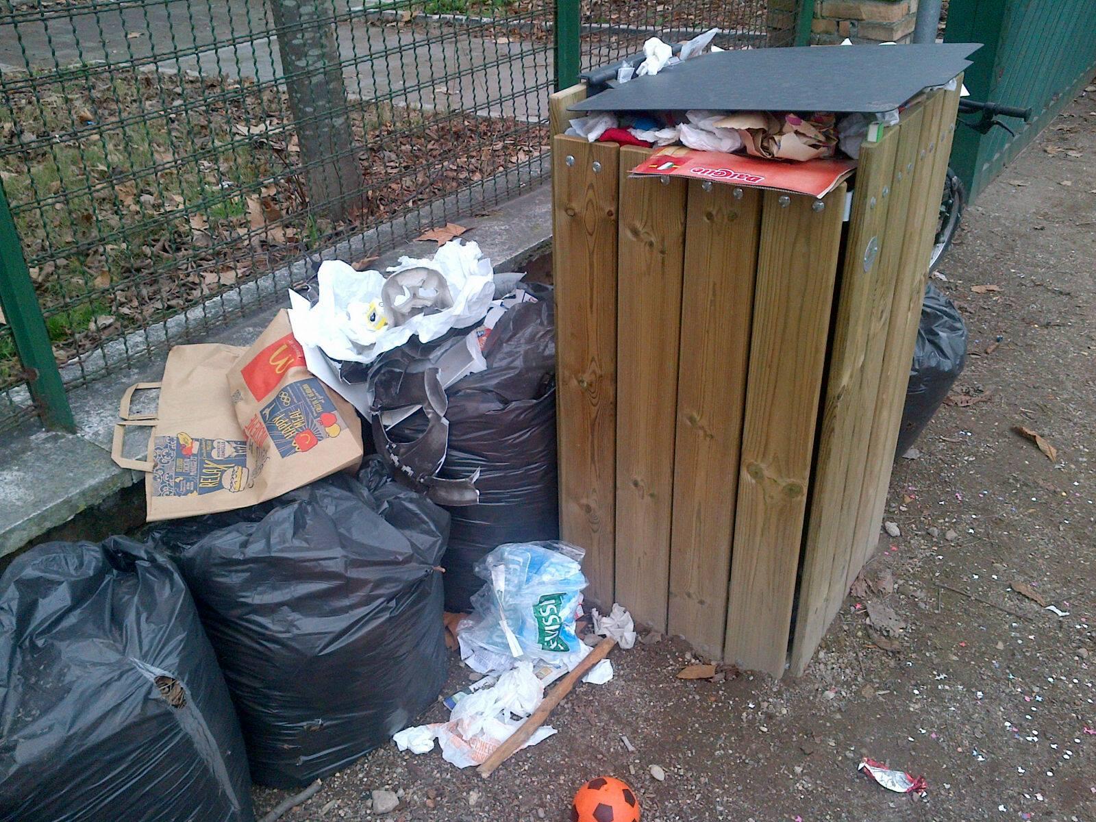 parco resistenza rifiuti 2