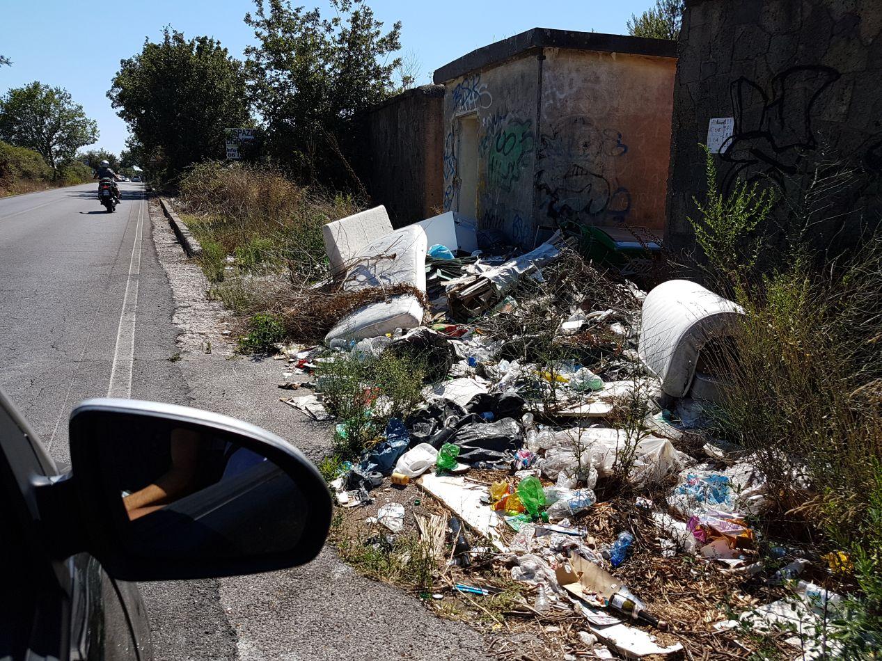 castelporziano-rifiuti3