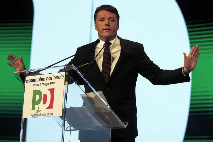 Pd: Renzi proclamato segretario dall'assemblea