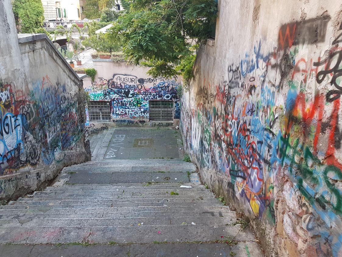 Villa Albani degrado scale3