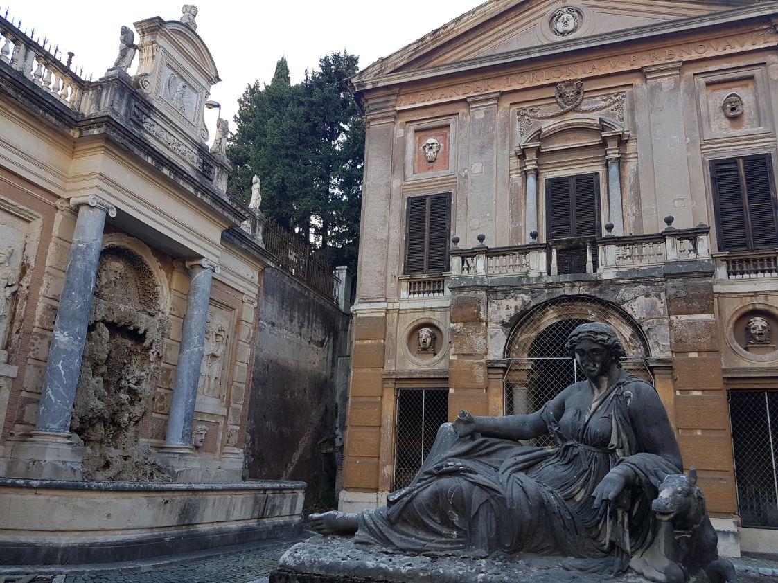 Villa Albani degrado2