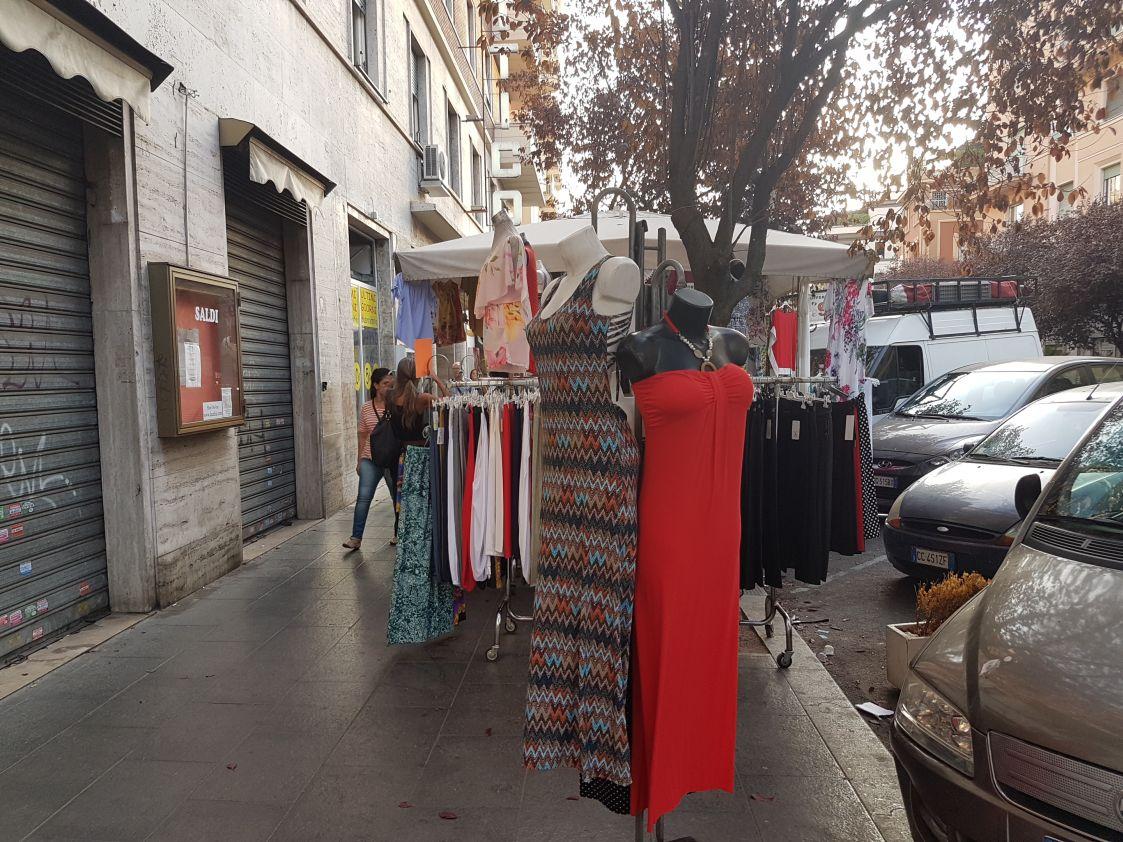 Bancarelle via Ravenna