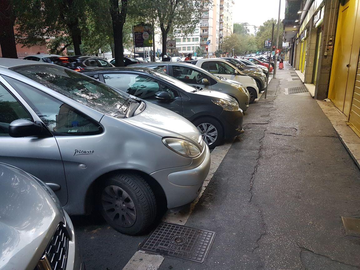 Sosta in strada roma2