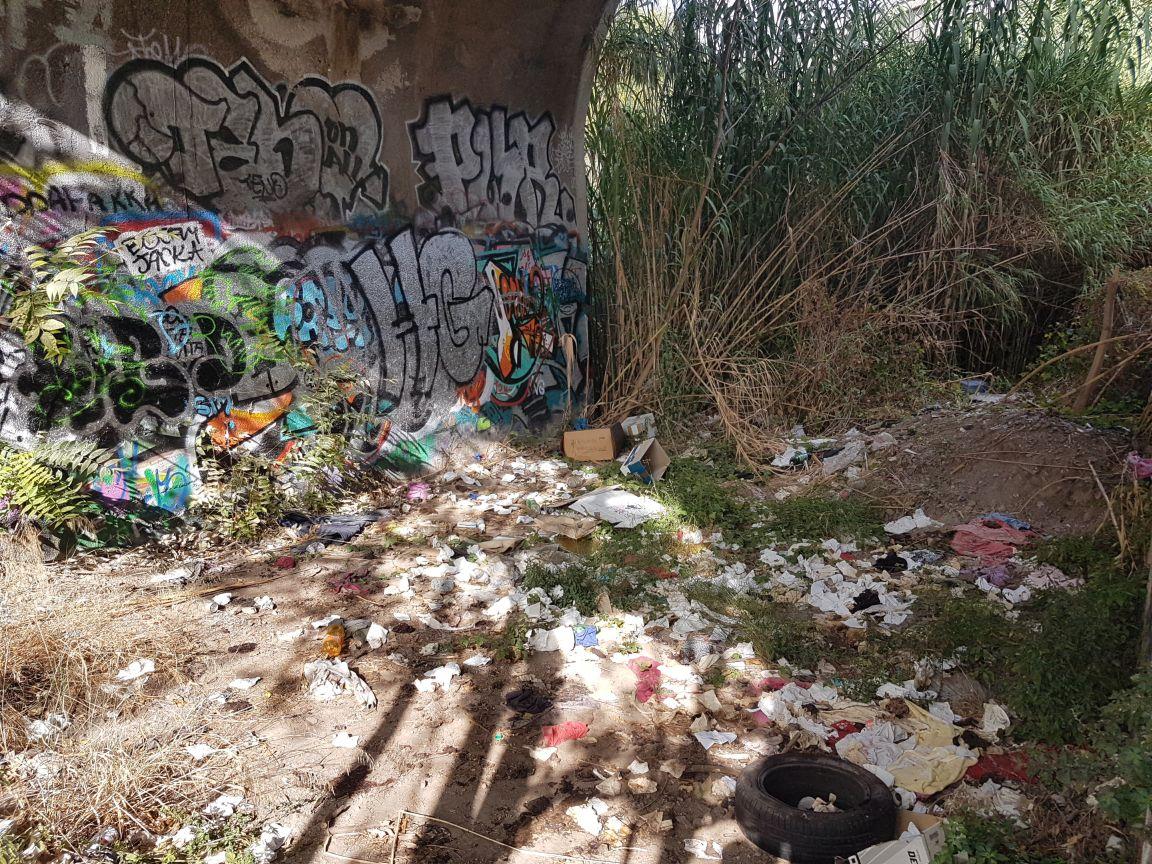 Ponte delle Valli rifiuti